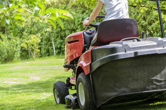 tonte de pelouse travaux de jardinage landes